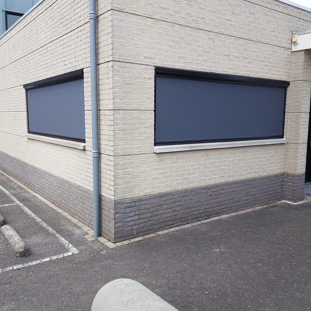 Windvaste screens kantoor te Fijnaart